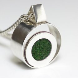 green bhuoy necklace